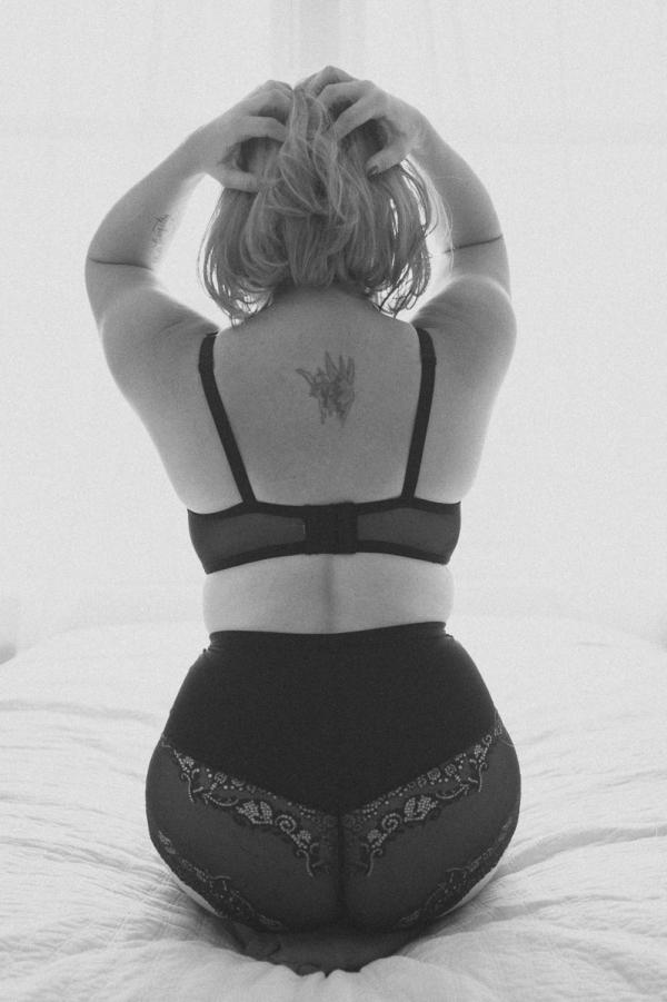 mikelllouise_erin boudoir blog-8